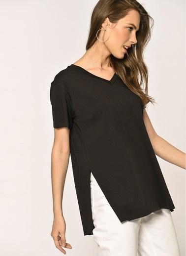 Loves You V Yaka T-Shirt Siyah